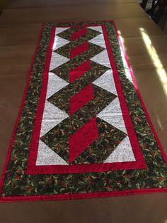 Christmas Table Runner, Holiday Table Runner, Holly and Berry Table Runner, XMAS Table Runner, Red, Green Table Runner, Quilted Table Runner by QuiltingBeis on Etsy