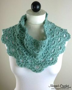 Picture of Lacy Cowls Crochet Pattern Set