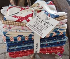 Fresh from our cutting table to your stash  ;) The bundles of Americana designed by Carrie Quinn for Riley Blake Designs are ready... Each bundle includes 21 fat quarters...