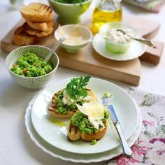 Broad Bean, Ricotta and Mint Bruschetta - Good Housekeeping