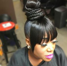 As we all know, Rihanna is one of the most famous African American celebrities in the world. She always wears sports for short hairstyles that can flatter her strong personality. For these African Ame Black Hair Updo Hairstyles, Weave Ponytail Hairstyles, Ponytail Styles, Black Women Hairstyles, Girl Hairstyles, Bangs Ponytail, Side Ponytails, Wedding Hairstyles, Afro Hair Style