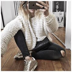 Pull et chevilles à l'air ⚫️⚪️ • Knit #catcatxvictoire (old) • Jean #aninebing (on @cyrielleforkure) • Sneakers #goldengoose (from @lagrandeboutiquelgb) ...