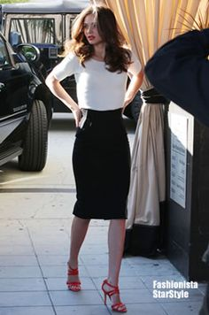 Celebrity Style : Miranda Kerr : Style File : Part 2 [แฟชั่น] Style Miranda Kerr, Miranda Kerr Hair, Business Outfits, Office Outfits, Casual Office, Business Casual, Office Attire, Office Style, Work Outfits