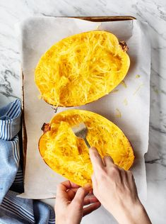 Learn how to cook spaghetti squash with this simple guide! Serve it as an easy veggie side, or incoLearn how to cook spaghetti squash with this simple guide! Serve it as an easy veggie side, or incorporate it into healthy main dishes all winter long. Baked Spagetti, Baked Spaghetti Squash, Recipes With Spaghetti Squash, Vegetarian Spaghetti, Pasta Spaghetti, Vegetarian Recipes, Cooking Recipes, Healthy Recipes, Vegetarian