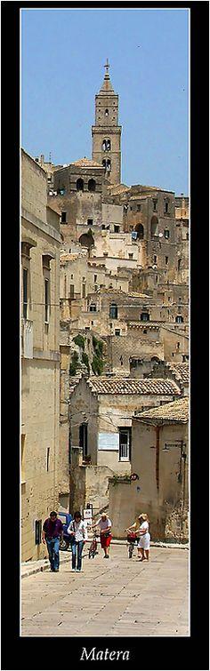 Supe de Matera por primera vez al ver las fotos de Italia de Gowin. http://www.exposicionesmapfrearte.com/gowin/visita_virtual/visita_virtual.html
