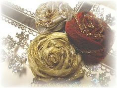A Holiday Haven: Rose gift toppers from ribbon