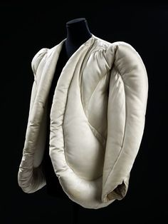 * Evening jacket 1937    Charles James (1906 - 1978)  Quilted satin, filled with down