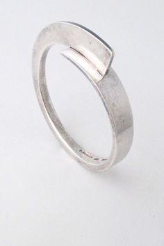 Soren Borup Denmark vintage Scandinavian Modernist silver heavy hinged bracelet