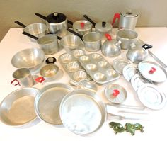 HUGE Lot Vintage Toy Cookware, 39 Pieces, Aluminum Metal Childs Play Kitchen…
