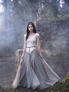 Mary's dresses in Reign... wow! I am officially in love with all the clothes, I don't care if they're historically accurate in the least, they are just downright amazing!!!