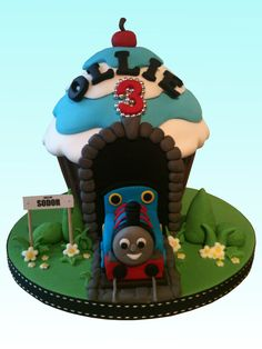 Children's Birthday Cakes - Thomas the Tank Engine giant cupcake Giant Cupcake Mould, Big Cupcake, Giant Cupcake Cakes, Wilton Cupcakes, Thomas Birthday Parties, Boy Birthday, Birthday Cakes, Birthday Ideas, Thomas Tank Engine Cake