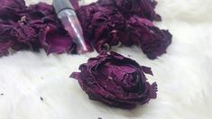 This is a handcrafted product made with a rose gel scent fragrance oil diluted in sunflower oil to add moisture when you apply it on your skin. Rose Perfume, Sunflower Oil, How To Feel Beautiful, Fragrance Oil, How To Apply, Make It Yourself