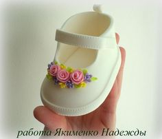 Baby shoes for girls baby shower cake perfect maryjane pattern i could not find a pattern that looked realistic enough for me so i created one i used pastillage but fondant would work as well baby cake created find fondant girls looked maryjane pasti Fondant Toppers, Fondant Cupcakes, Fun Cupcakes, Baby Cakes, Girl Cakes, Torta Baby Shower, Fondant Baby Shoes, Fondant Bow, Deco Cupcake