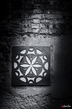 The Wall.  #bw   #blackandwhite   #blackandwhitephotography   #fromromania   #monochrome   #monochromephotography   #hqspmonochrome