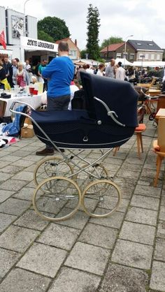 Ouderwetse kinderwagen