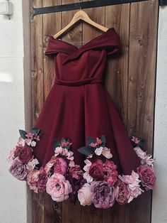 Find Short Prom Dresses For Sweet High School Prom, Graduation or Wedding Party? Come Here to Buy Off Shoulder Appliques Burgundy Homecoming Dresses Short Prom Dresses that speaks to you and your unique personality. Flower Dresses, Pretty Dresses, Sexy Dresses, Beautiful Dresses, Evening Dresses, Short Dresses, Girls Dresses, Prom Dresses, Elegant Dresses