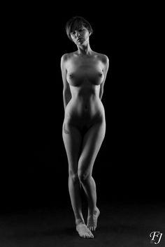 Model: Sara Scarlet    Photo & post processing: Josse Flion    #SaraScarlet #ArtisticNude #BlackWhite