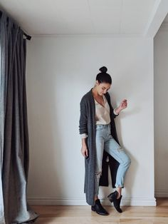 From the work day to a night out, these 3 ethically made tops are so comfy you'll wear them through the week and into the weekend. Fashion Wear, Womens Fashion, Plywood Furniture, Modern Furniture, Furniture Design, Salon Style, My Wardrobe, Chair Design, Design Design
