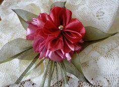 Пышный цветок. Канзаши и гильоширование или выжигание по ткани