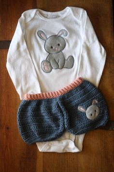 love this outfit Crochet Bunny Bubble Shorts and Matching by  EMembroiderycrochet,  40.00 Lapin En Crochet 04eed85037a