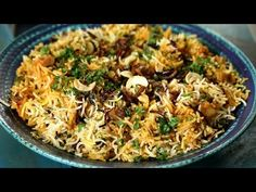 Learn how to make Kerala Biryani at home with chef Smita Deo only on Rajshri Food. Chef Smita shares her fond memory of having the special Veg Kerala Biryani. Rice Recipes, Indian Food Recipes, Vegetarian Recipes, Ethnic Recipes, Kerala Recipes, Indian Foods, Paneer Biryani, Veg Biryani, Rice Dishes