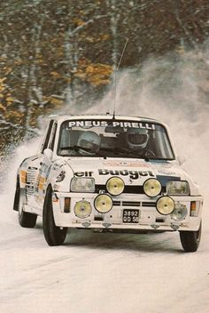 R5 TurboRenault  Fighting in Snow