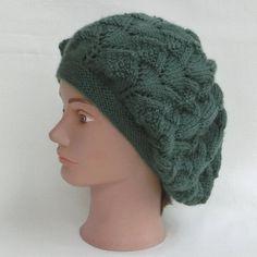 Bonnet ou béret slouchy femme, tricot point fantaisie ajouré, en laine  vert, tricoté main, cadeau accessoire de mode, bonnet d  hiver a1c9b658f74