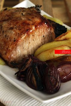 Arrosto di lonza al balsamico Meat Steak, Pork Meat, Veal Recipes, Cooking Recipes, Beef Skillet Recipe, Chicken And Chips, Kitchen Confidential, Vegetable Dishes, My Favorite Food