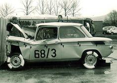 Zu den Meilensteinen zählt unter anderem das Entwickeln von Knautschzonen, um das Verletzungsrisiko für Fahrer und Passagiere zu reduzieren. Ein NSU Prinz von 1958 zum Beispiel konnte bereits einen guten Teil der Energie eines Frontaufpralls in der Knautschzone absorbieren. Ab Ende der 1960er Jahre, bei der Entwicklung des NSU Ro 80 und des ersten Audi 100 kamen erstmals Dummys zur Analyse der Auswirkungen eines Unfalls auf den Menschen zum Einsatz. ☺