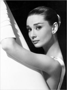 """For beautiful eyes, look for the good in others; for beautiful lips, speak only words of kindness; and for poise, walk with the knowledge that you are never alone.""- Audrey Hepburn"