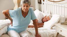Hormon pada wanita ketika mengalami penurunan lebih sering terjadi pada masa menopause, yakni saat periode menstruasi berhenti secara langsung mempengaruhi kepadatan tulang. Akhirnya tingkat risiko pengeroposan tulang bisa terjadi dengan cepat. Kondisi ini dikenal sebagai osteoporosis dimana penyebab utama tulang patah.