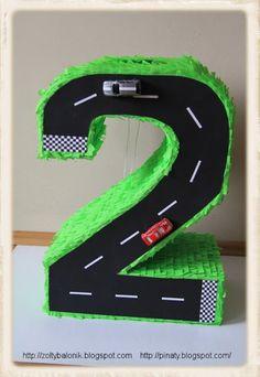 Risultati immagini per piñatas de numero 2 Birthday Event Ideas, Diy Birthday Decorations, Cars Birthday Parties, Baby Birthday, Construction For Kids, Construction Birthday, Car Pinata, Transportation Party, Grinch Party