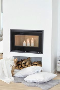 winter home decor Style At Home, Love Home, Home Fireplace, Fireplace Design, Fireplaces, Kb Homes, Interior Styling, Interior Design, Winter Home Decor