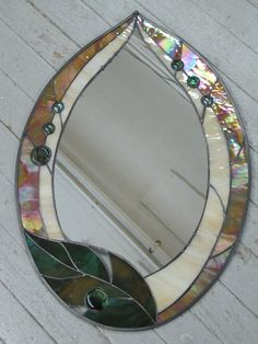 Fun, Funky Stained Glass Leaf Mirror by RenaissanceGlass on Etsy Stained Glass Frames, Stained Glass Ornaments, Stained Glass Designs, Stained Glass Projects, Stained Glass Patterns, Leaded Glass, Stained Glass Art, Glass Mirrors, Mirror Mosaic