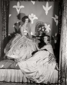 cecil beaton's sisters, Nancy & Baba, photographed by Cecil in his bedroom at 61 Sussex Gardens
