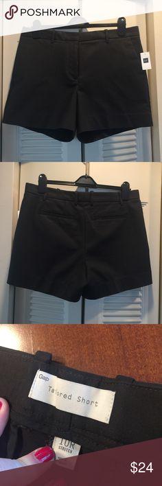 "NWT Gap Black Tailored 4"" Shorts - 10r NWT Gap Black Tailored 4"" Shorts - 10r - selling the same shorts in white - check out my closet, lots of Lilly Pulitzer and J.crew!!! GAP Shorts"