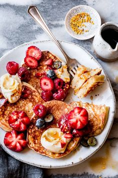 Rich, tender, and lacy, these easy gluten-free lemon ricotta pancakes make a tasty breakfast or brunch. Top them with seasonal fruit and a drizzle of maple syrup for a stunning breakfast or brunch. Sin Gluten, Easy No Bake Desserts, Dessert Recipes, Lemon Ricotta Pancakes, Scones, Granola, Bojon Gourmet, Gluten Free Pancakes, Breakfast Recipes