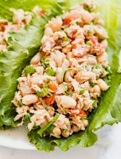 Italian Tuna Salad makes the perfect light and fresh lunch! This is a healthy but satisfying option that is super easy and comes together in minutes. Chicken Salad No Mayo, Tuna Salad No Mayo, Tuna Fish Salad, Tuna Salad Pasta, Salad Dressing Recipes, Salad Recipes, Tuna Recipes, Vegetarian Recipes, Beef Tips Slow Cooker