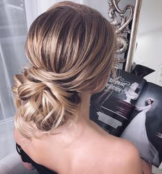 Just like for all brides, when the big day is approaching,many decisions have to be made. Wedding hair is a major part of what gives you good looks. These incredible romantic wedding updo hairstyles are seriously stunning. If you you want to add glamour to your wedding hairstyle,bridal updo hairstyle ideas #weddinghairstyles