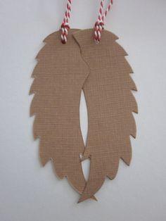 Angel wing gift tags --- Prachtige handgemaakte engelenvleugels in koffie kleur met rood/wit touw --- Leuk aan je cadeaus of aan een deurkrans
