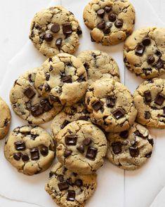 Homemade Chocolate Chip Cookies Recipe - The Best Chocolate Chip Cookies - Choco Chip Cookies, Best Chocolate Chip Cookies Recipe, Homemade Chocolate Chip Cookies, Chip Cookie Recipe, Choco Chips, Ginger Cookies, Yummy Cookies, Chocolate Recipes, Coconut Chocolate