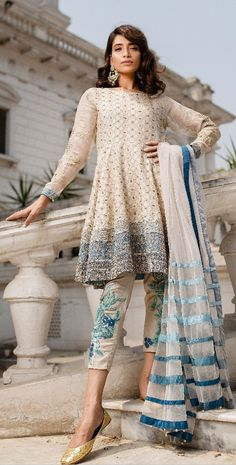 Very unique style! Pakistani Frocks, Pakistani Couture, Pakistani Outfits, Indian Outfits, Designer Kurtis, Designer Dresses, Desi Wear, Dress Outfits, Fashion Dresses