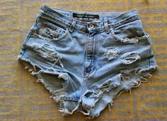 DIY high waisted shorts tutorial. Pretty good.