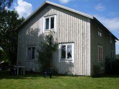 :) Sweden, Outdoor Structures