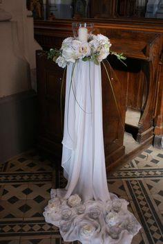 dekoracja kościoła Decoration Evenementielle, Pew Decorations, Church Wedding Decorations, Wedding Wreaths, Rustic Wedding Centerpieces, Wedding Ceremony Ideas, Wedding Pews, Wedding Seating, Diy Wedding