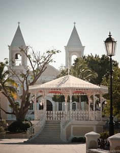 The gazebo in the plaza and the Mission San Jose del Cabo. San Jose Del Cabo, Baja California Mexico, Places Ive Been, Places To Go, Salt And Water, Mexico Travel, Gazebo, Beautiful Places, Oceans