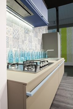 """Modulor"" kitchen by Maiullari. FENIX NTM, Blue Delft, Bianco Alaska, Beige Luxor decors."