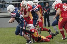 American Football, Sport, Football Helmets, Fashion, Self, Moda, Deporte, Football, Fashion Styles
