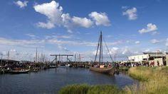 Roskilde (Region Sjælland) - Vikingeskibsmuseet → MADPAKKER Har du mad med hjemmefra? Nyd den med udsigt til havnen og de smukke skibe.