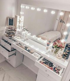 bedroom vanity decor ideas * bedroom vanity decor - bedroom vanity decor dressers - bedroom vanity decor ideas - bedroom vanity decor make up Girl Bedroom Designs, Room Ideas Bedroom, Teen Room Decor, Bedroom Bed, Vanity Makeup Rooms, Makeup Room Decor, Makeup Table Vanity, Beauty Room Decor, Vanity For Bedroom